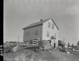 Home owned by Douglas Kennedy being moved from West Louisbourg